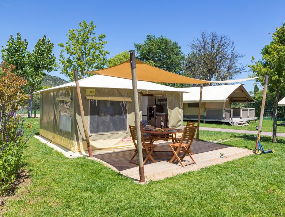Promotion des tentes amusantes du camping Valldaro