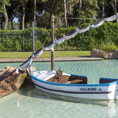 Barco, decoración de la piscina