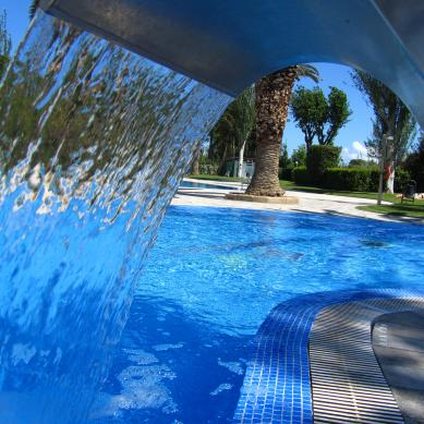 Swimming pool with hydromassage in Platja d'Aro