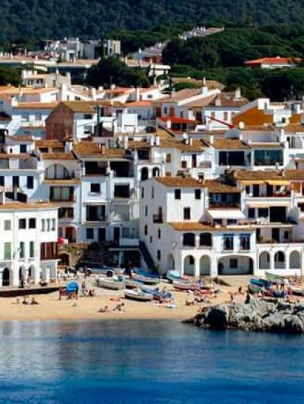 Mediterranean houses in Costa Brava
