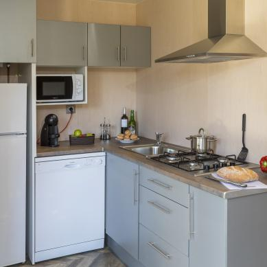 Fully equipped bungalow kitchen