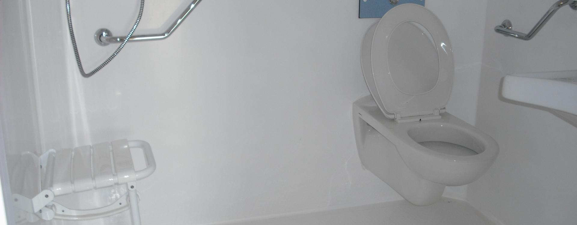 Salle de bain Mobil Home adaptée au Camping Valldaro