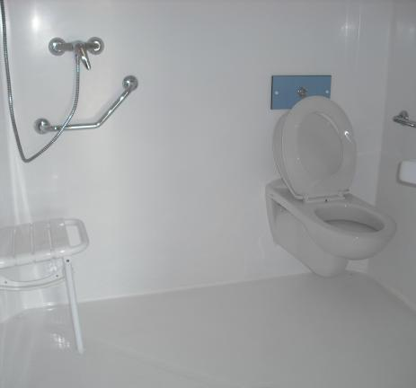 Adapted Mobil Home bathroom at Camping Valldaro