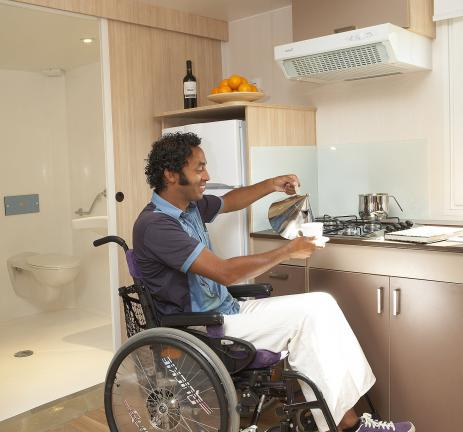 Adapted kitchen in a campsite with Mobil-homes adapted for the disabled in Playa de Aro