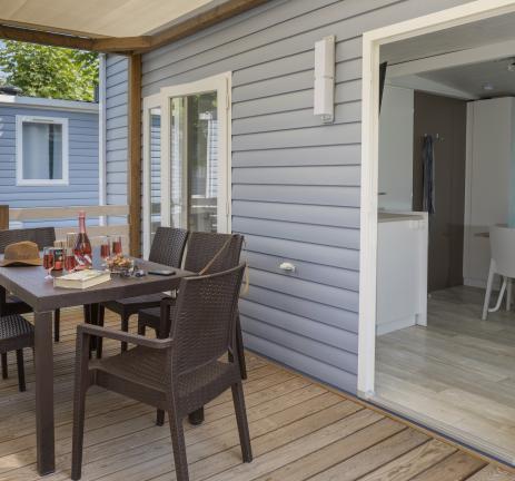 optimitzades/mobil-homes/emporda/terraza-madera-mobil-home-emporda.jpg