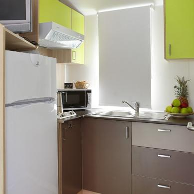 Equipped kitchen mobile home Camping & Bungalows Valldaro