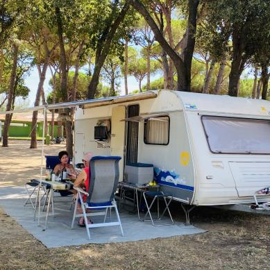Caravana en un camping de la Costa Brava