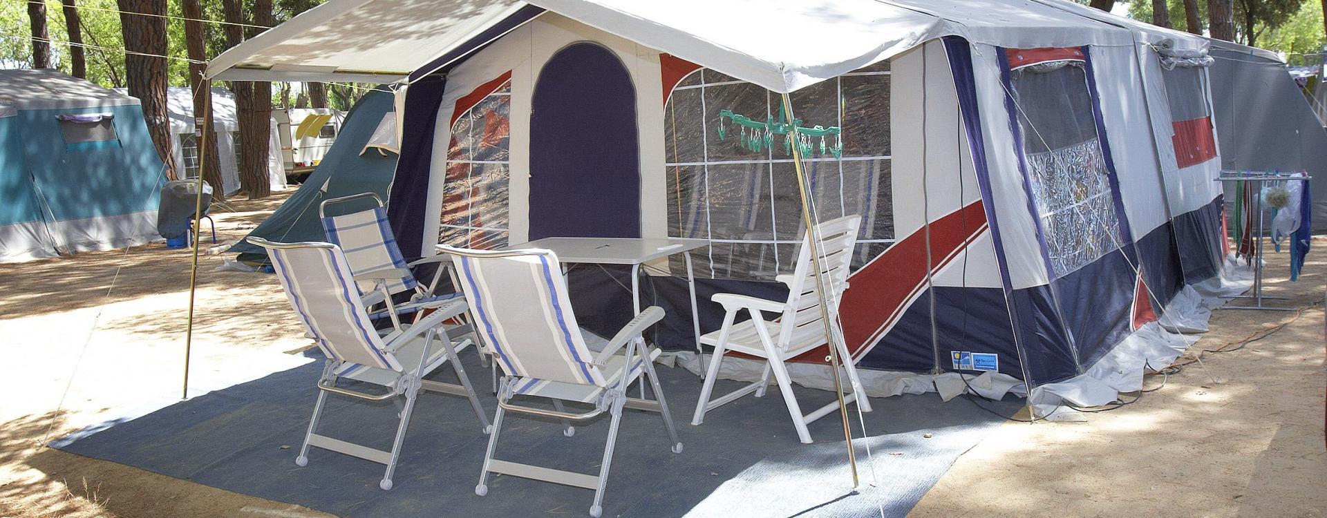 Tienda montada en el Camping Valldaro