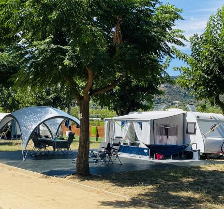 Large pitches at Camping Valldaro