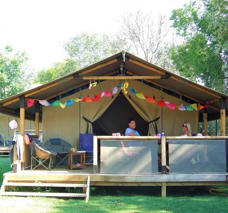 Tenda exterior Super Fun del Camping Valldaro