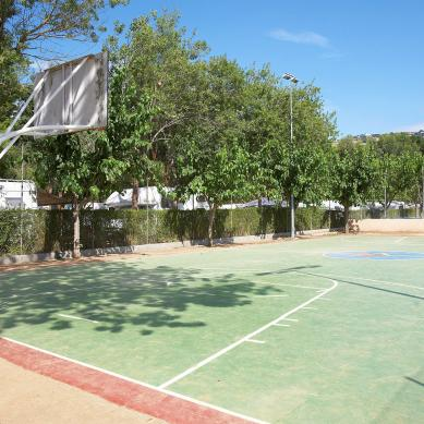 Basketbalveld op de camping in Playa de Aro