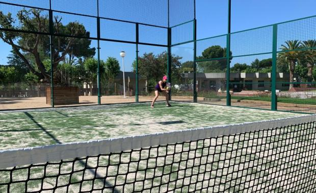 Paddle-tennisbanen op camping